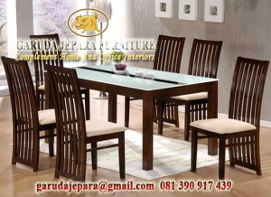 meja makan minimalis jati