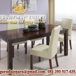 set meja makan busa