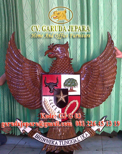 Ukiran Garuda Pancasila 2 Dimensi Finishing Natural dan Warna