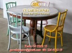 Kursi Makan Restoran Koboy Warna