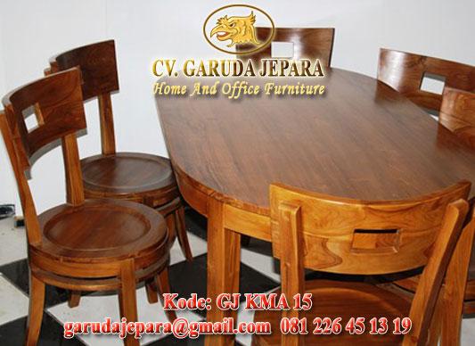 Set Kursi Makan Bulat Meja Oval
