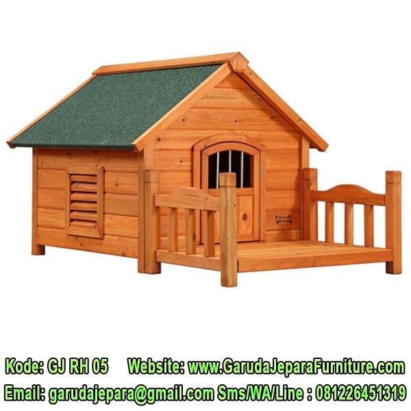 Rumah Anjing Kayu