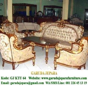 Set Sofa Tamu Ukir Jati Tipe Inggris